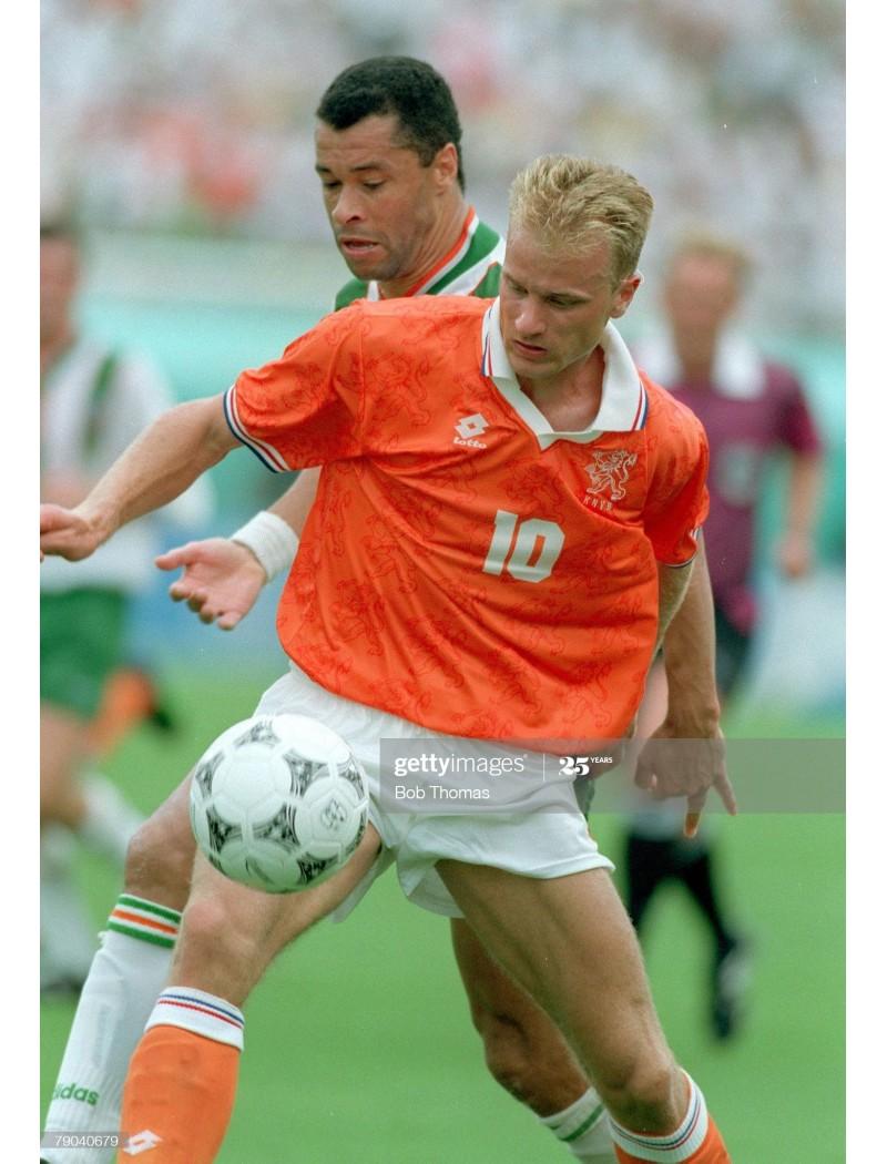 1994 World Cup Netherlands x BERGKAMP Nameset (Home Use)