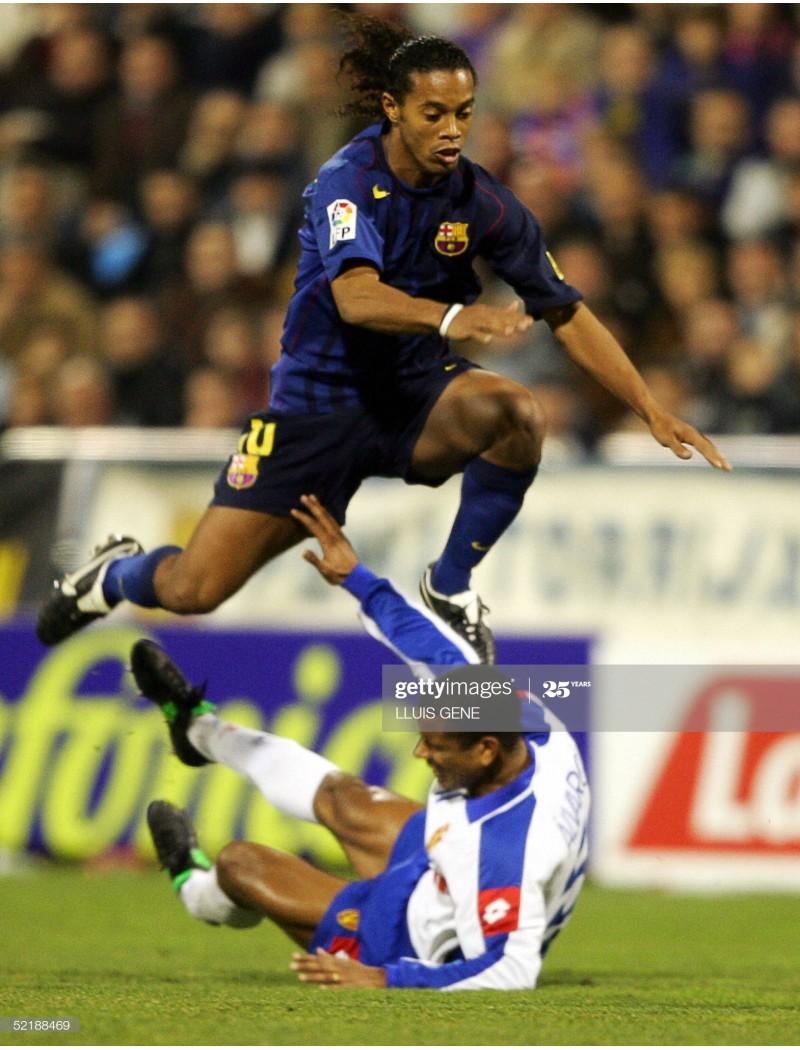 2004-2006 Barcelona x RONALDINHO Nameset