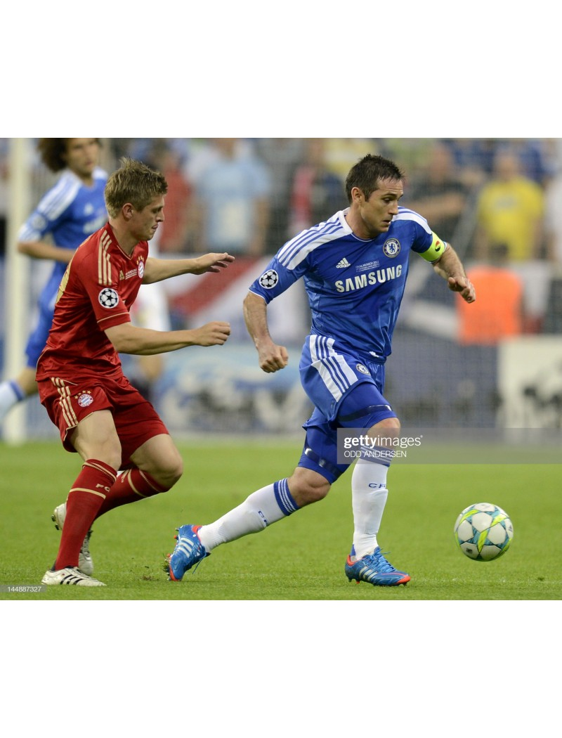2011-2012 Chelsea Sponsor Badge - RIGHT TO PLAY